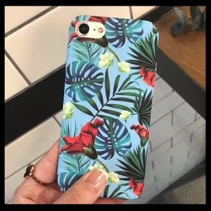 Accessories - NEW iPhone 7/8/7+/8+ Tropic Floral Palm Hard Case